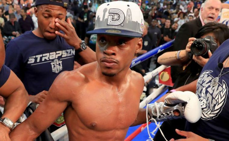 Boxeador Errol Spence sufre accidente; sale expulsado de su auto