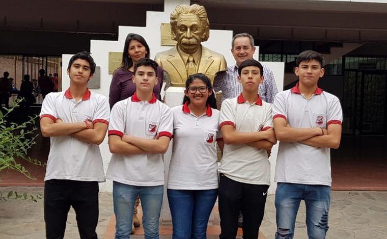 FOTO: Premian a alumnos que generaron luz para una comunidad wichi