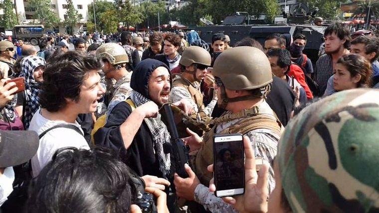 AUDIO: Se agrava la situación en Chile (Por Angie Gatica)
