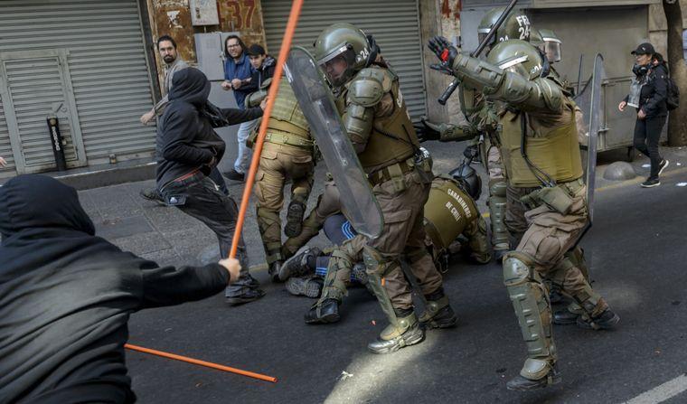 FOTO: Crece el número de muertos por las protestas en Chile.