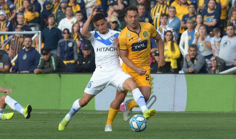 FOTO: Vélez ganó en Rosario y quedó a dos puntos de Boca y Argentinos.