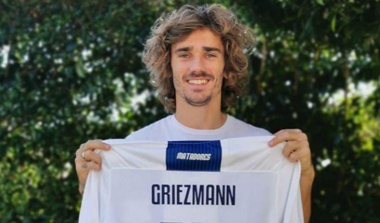 Antoine Griezmann compartió una foto con la camiseta de Talleres