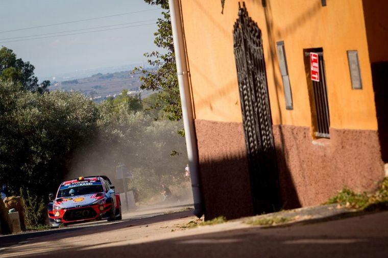 FOTO: Thierry Neuville volvió a ser puntero y tener chances de luchar el WRC