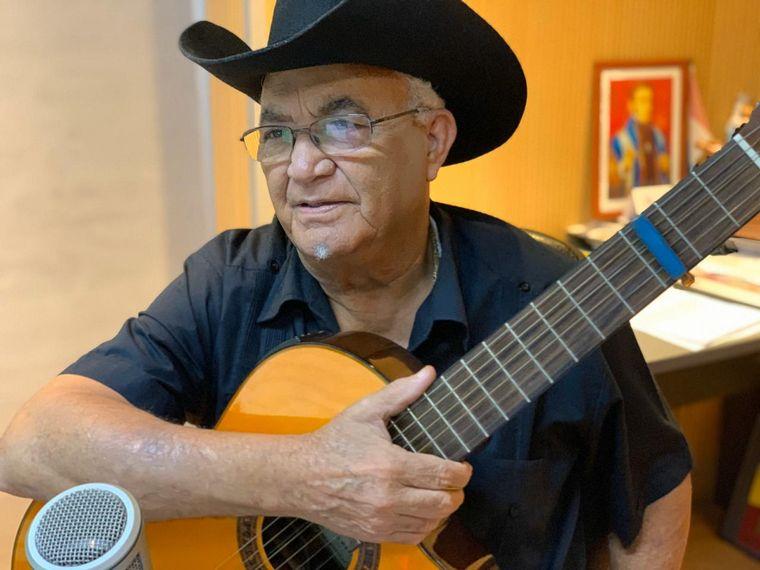 FOTO: Eliades Ochoa en Viva la radio.