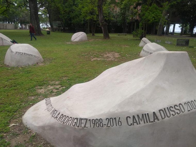 FOTO: Memorial en homenaje alas víctimas de femicidio en Santa Fe.