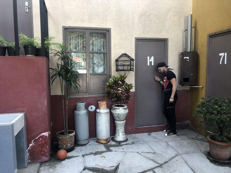 FOTO: Los Caligaris conocieron la vecindad del Chavo en México.