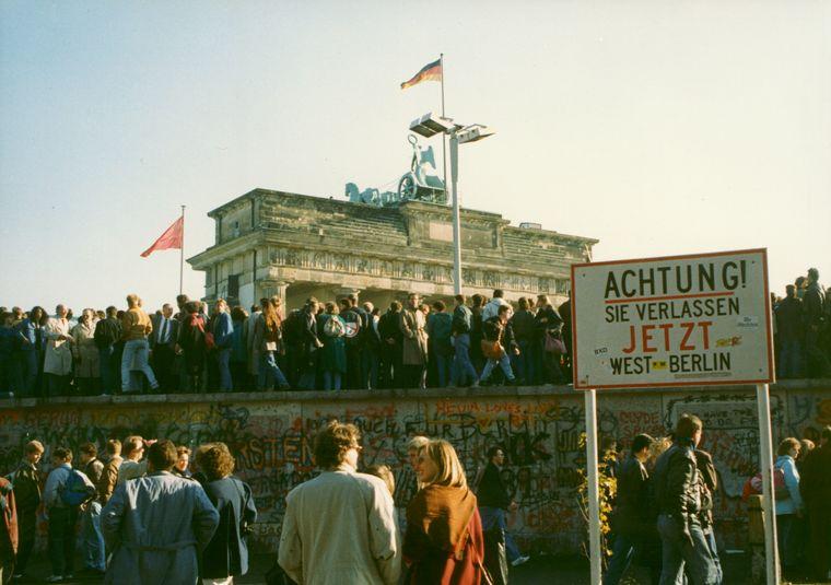 FOTO: Caída del Muro de Berlín
