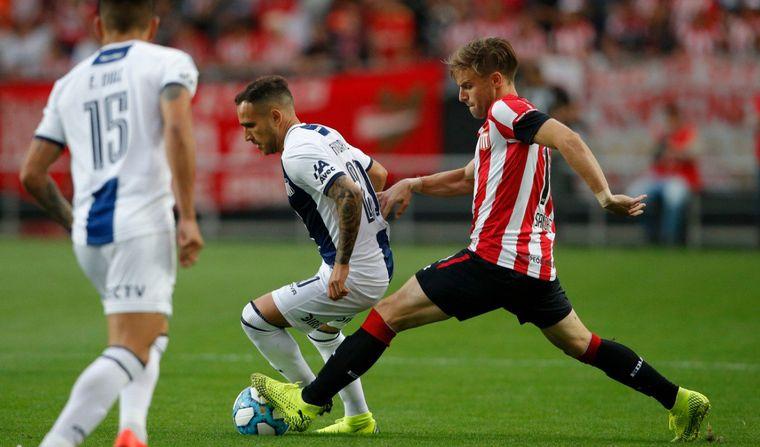 Talleres pierde 1-0 contra Estudiantes desde temprano — Superliga