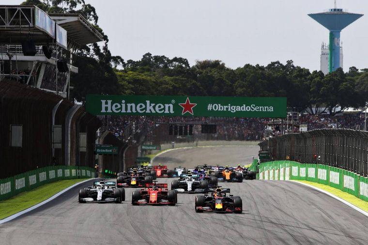 FOTO: Max Verstappen venció en el GP de Brasil con el Red Bull