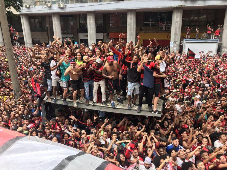 FOTO: Una multitud de cariocas festeja el bicampeonato del Flamengo.