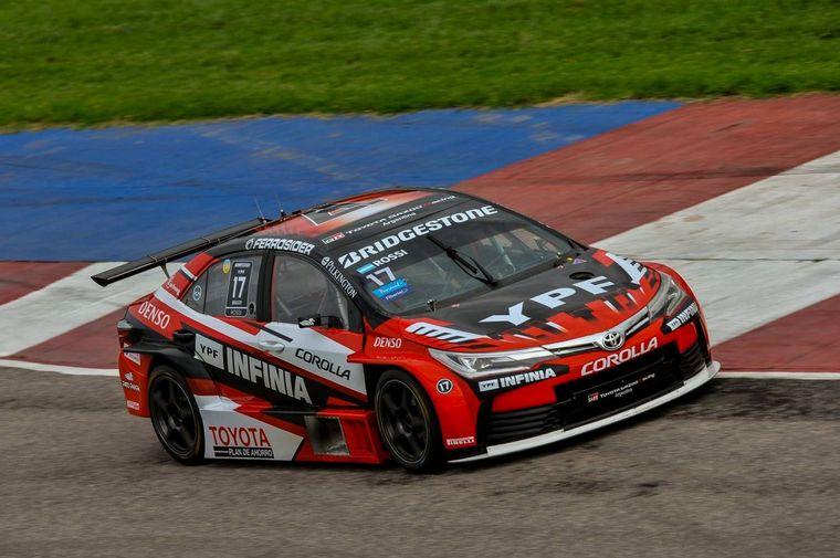FOTO: Rossi y Toyota están preocupados por la definición del título en Neuquén