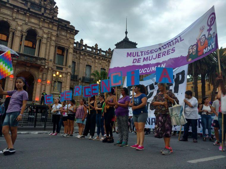 FOTO: Marcha del 25N en Tucumán