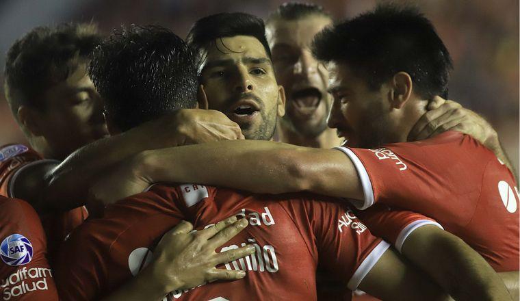 Independiente y Aldosivi empataron sin goles en Mar del Plata