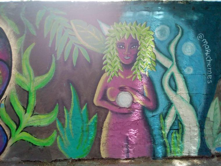 AUDIO: Muralistas rosarinas llevan el arte a los barrios (por Miguel Clariá)