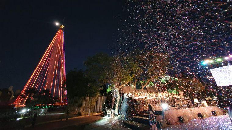FOTO: A puro verde, Córdoba quedó iluminada en las Fiestas.