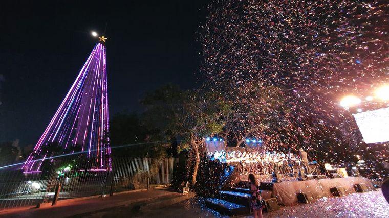 FOTO: Previa del encendido del Árbol de Navidad en el Parque Sarmiento