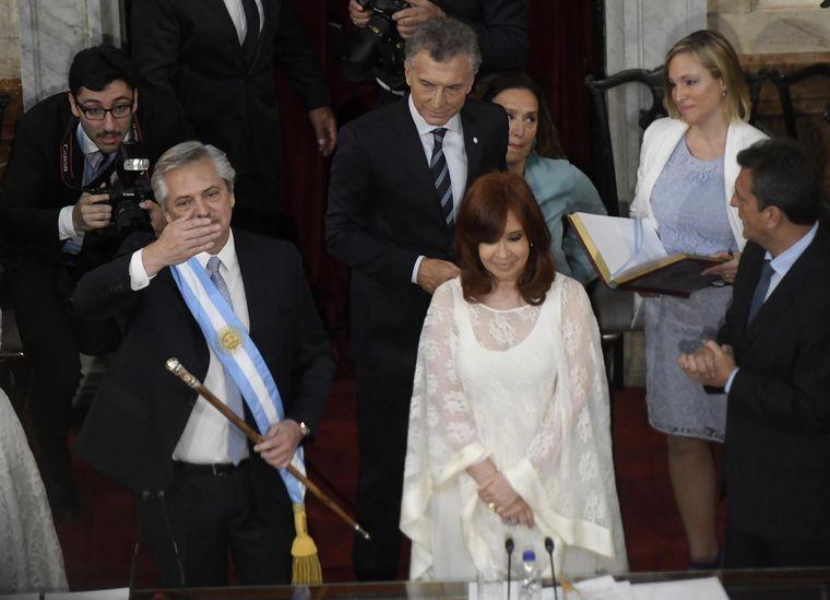 FOTO: Alberto y Cristina Fernández asumieron como presidente y vice.