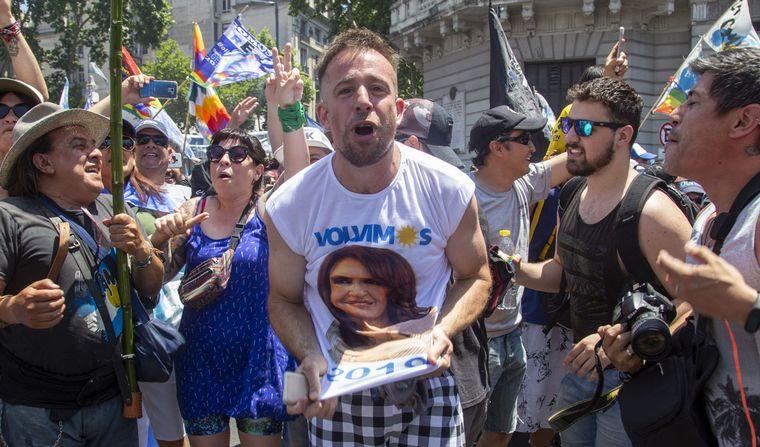 FOTO: Militancia K en la plaza.