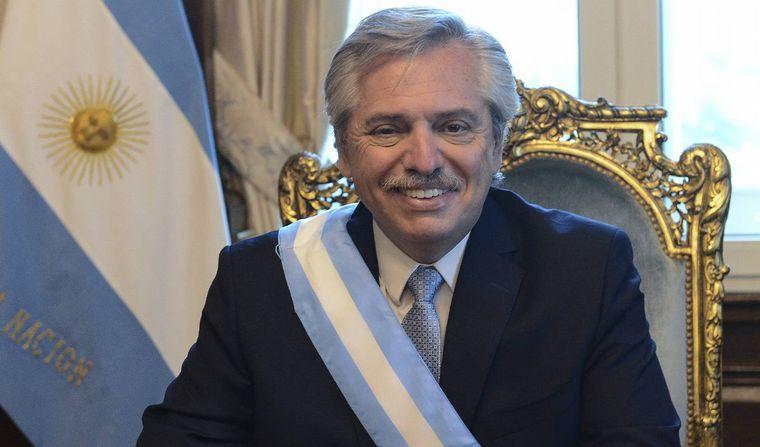 FOTO: Alberto Fernández ingresa al despacho presidencial