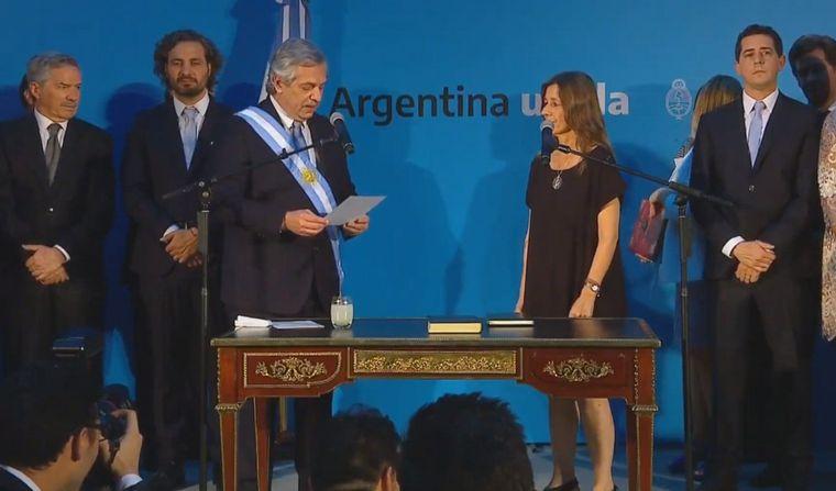 FOTO: Alberto Fernández les tomó juramento a los integrantes de su equipo.