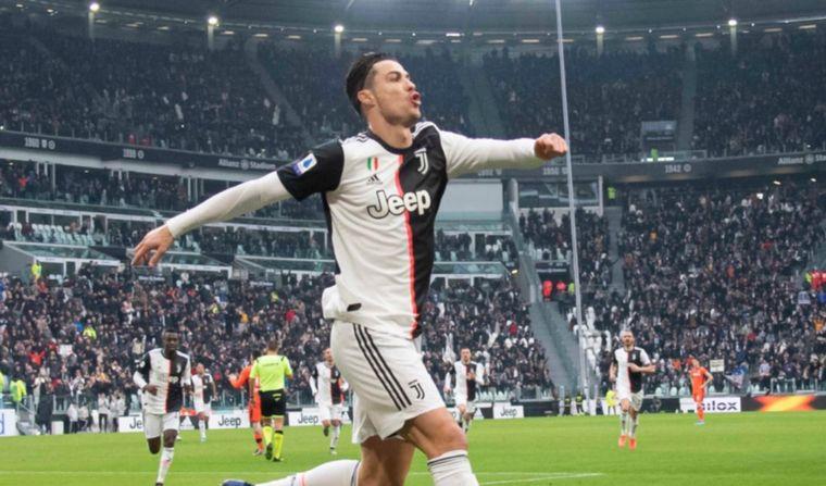 Juventus llegó a la cima en Italia con un doblete de Ronaldo