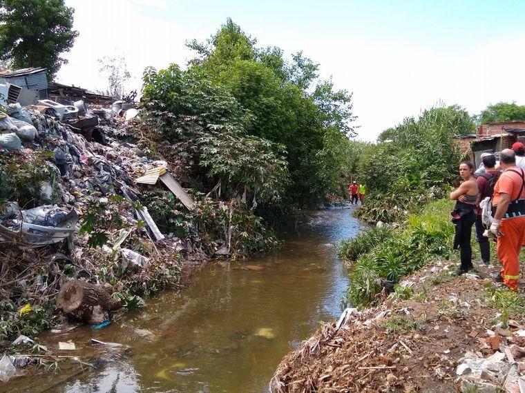 AUDIO: Remueven el arroyo para descartar que Fiorella esté atrapada