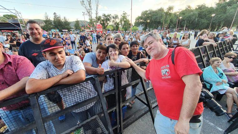 FOTO: El público disfrutó del show de Los Palmeras en Carlos Paz