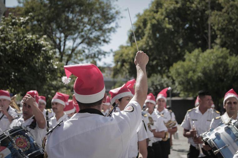 AUDIO: La Banda de la Policía y el Toro Quevedo brindaron un concierto de Navidad