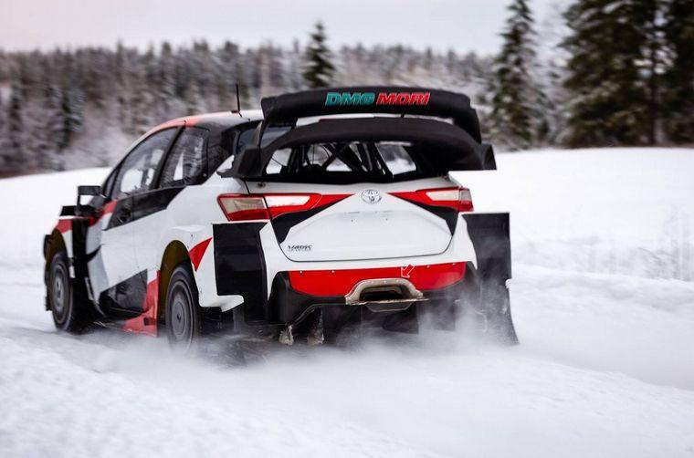 FOTO: Los pilotos de Toyota comenzaron a tomar el feeling de su nuevo WRC en la nieve