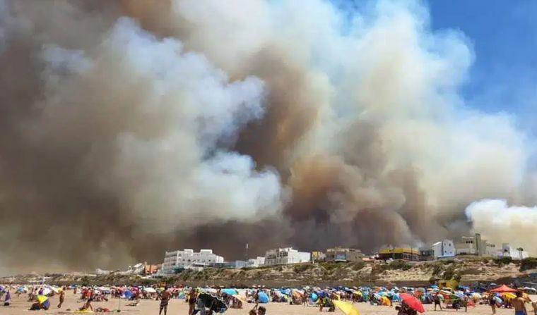 AUDIO: Está controlado el incendio en Las Grutas (Entrevista de Federico Albarenque)