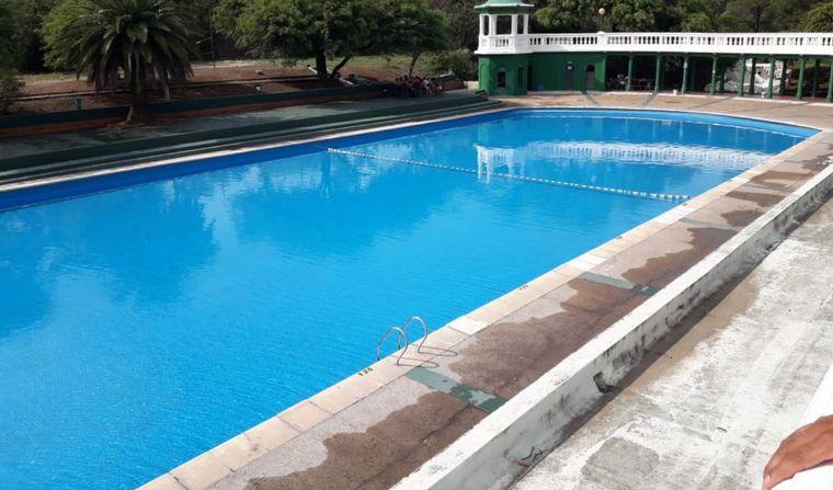 FOTO: Reabrió la pileta del parque Sarmiento (Por Guille Panero).