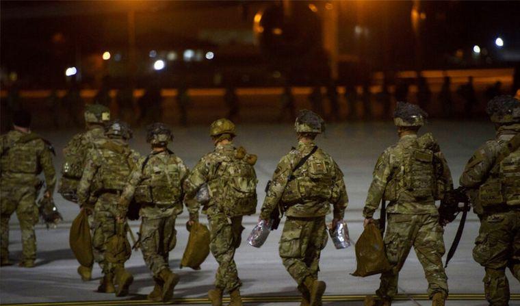FOTO: Dos oficiales y dos soldados iraquíes resultaron heridos. (FOTO: Milenio)