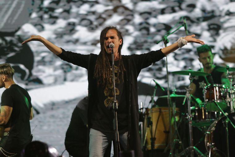 FOTO: Indios de Ahora combinó folclore y rock