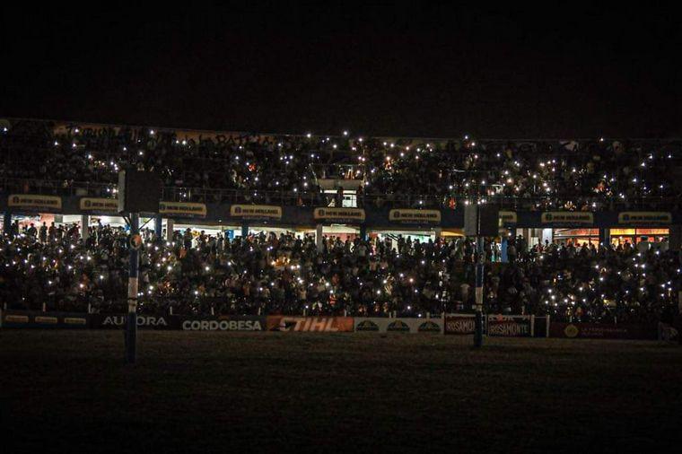 FOTO: Las luces coronaron la cuarta noche de color y coraje.