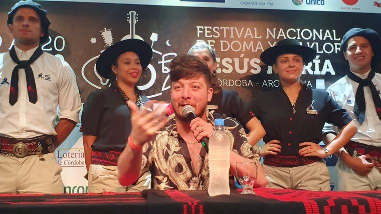 FOTO: Los Sacheros con la voz de Walter Frías en el predio José Hernández.