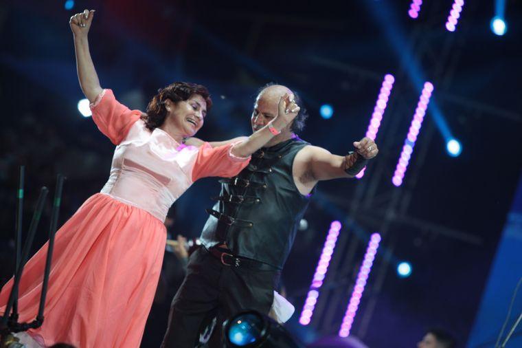 FOTO: Damián Córdoba hizo bailar al ritmo del cuarteto en el cierre de la quinta noche.