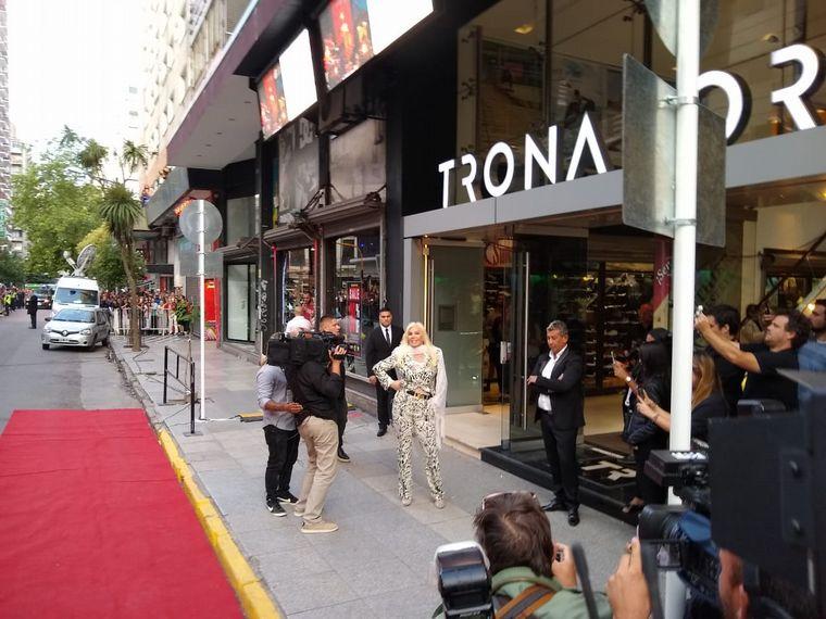 FOTO: Mirtha Legrand llegó al Teatro Tronador.