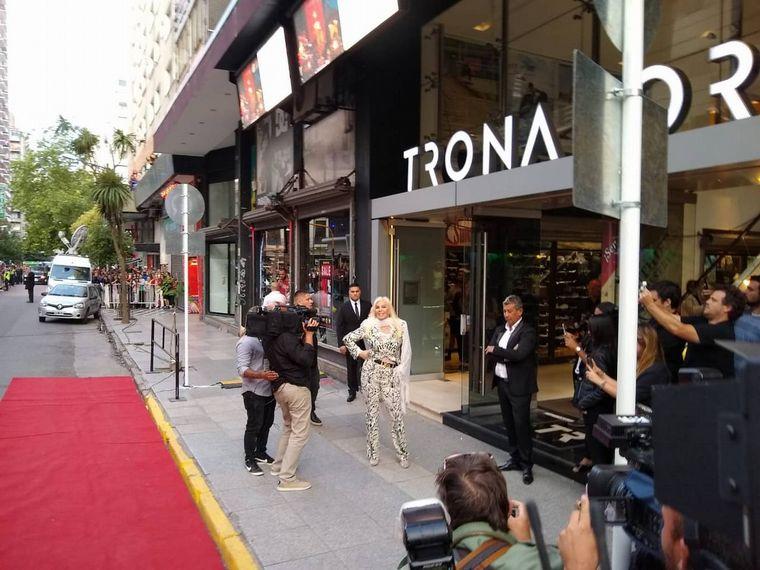FOTO: Susana Giménez llegó al Teatro Tronador.