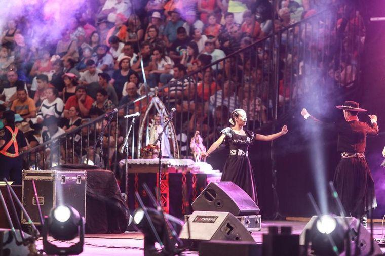 FOTO: El anfiteatro José Hernández en la previa de la octava noche de color y coraje.