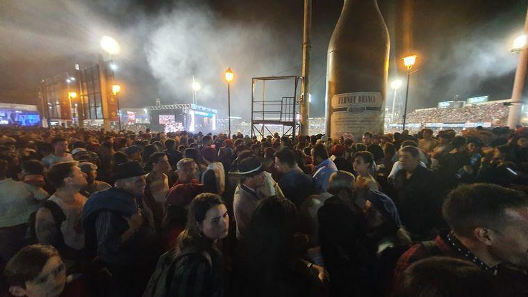FOTO: Más de 24 mil personas asistieron a la noche más multitudinaria del festival