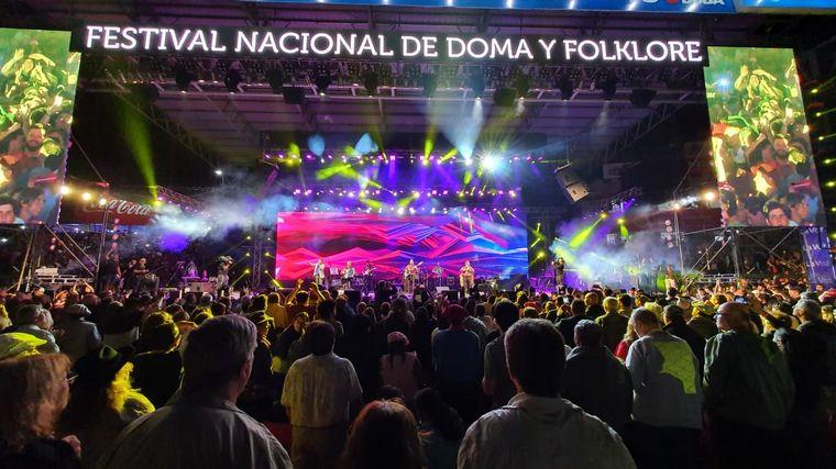FOTO: Una multitud copó el anfiteatro José Hernández