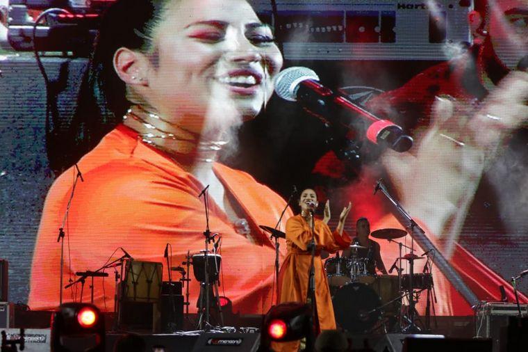 FOTO: Florencia Paz pasó por el escenario Martín Fierro