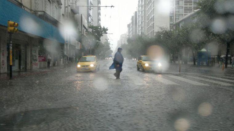 FOTO: Tormenta y cielo negro en Córdoba en el marco del alerta meteorológico.
