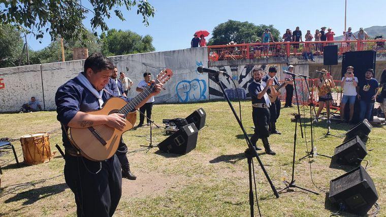 FOTO: Canto del Alma en la Peña del Río Cosquín.