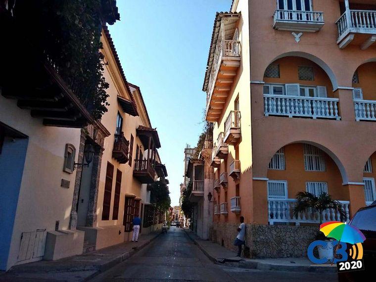 FOTO: Mati Arrieta recorre el casco histórico de Cartagena.
