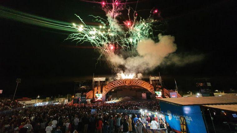 FOTO: Noche récord del Cosquín: se agotaron las entradas
