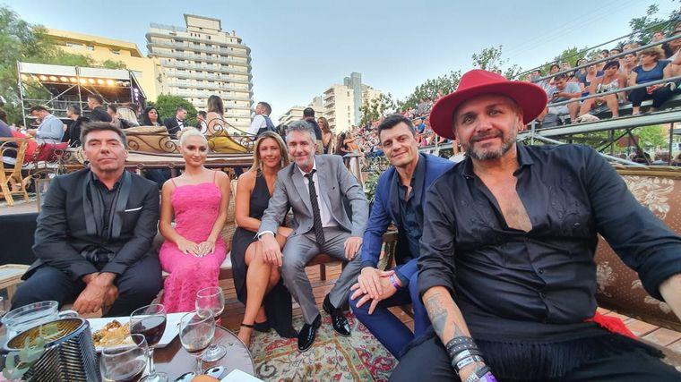FOTO: Los enviados especiales de Cadena 3, Abelardo Fonseca y Celeste Benecchi