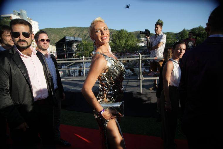 FOTO: La cantante cordobesa, Coki Ramírez en la alfombra roja.