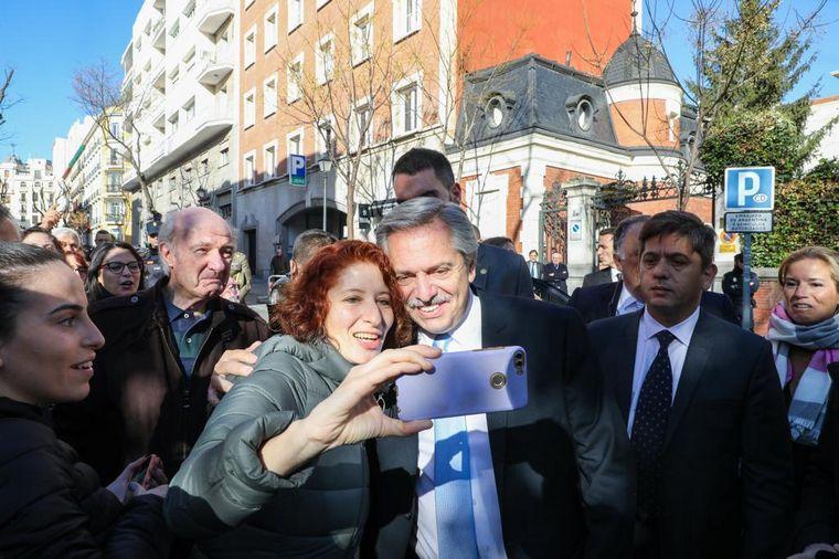 FOTO: Fernández visitó a Pedro Sánchez en el Palacio de Moncloa.