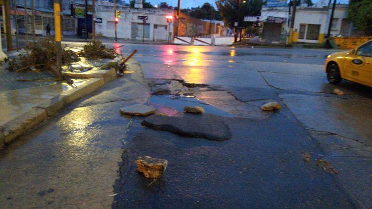 FOTO: La capital provincial amaneció tapada por agua.